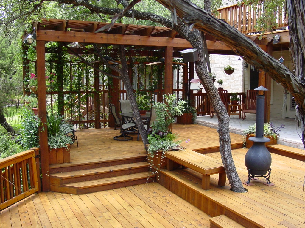 Austin multi-level deck with pergola