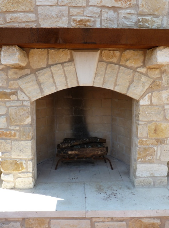 Flagstone outdoor fireplace in Austin, TX