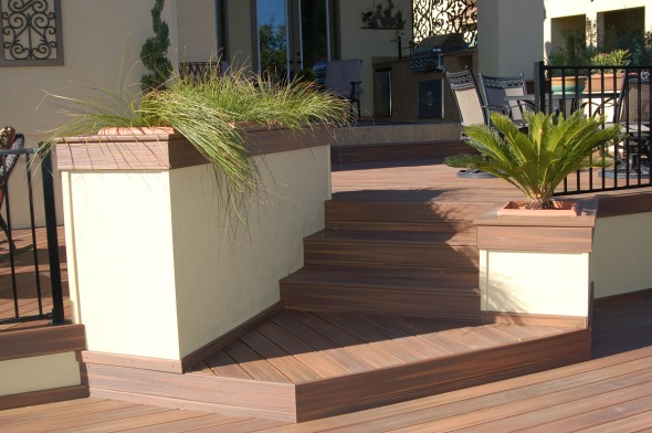 Austin Fiberon IPE deck with planters
