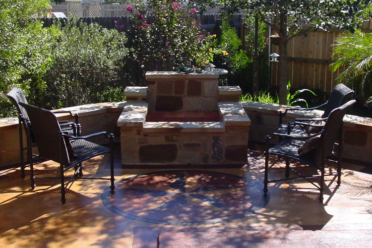 Austin outdoor bar austin decks pergolas covered for Fire pit seating area