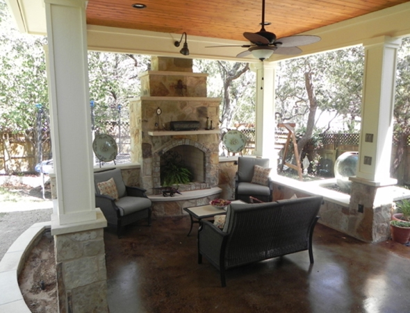 Austin_covered_porch_and_fireplace_by_Archadeck_of_Austin