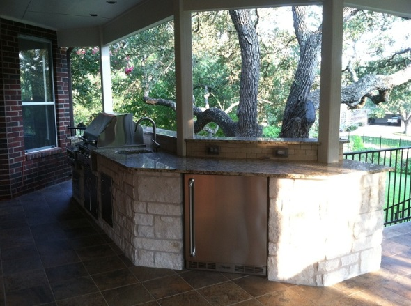 Austin Limestone outdoor kitchens