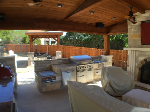 View of Lago Vista outdoor kitchen