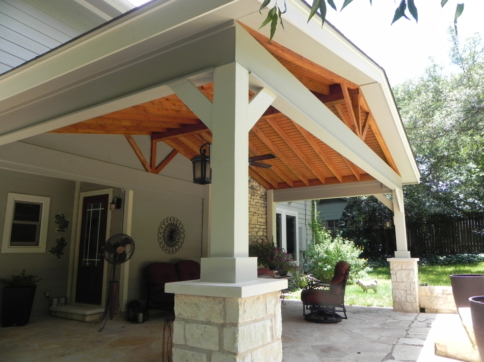 outh Austin Flagstone Covered Patios