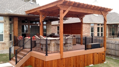 South Austin Trex deck with overhead pergola