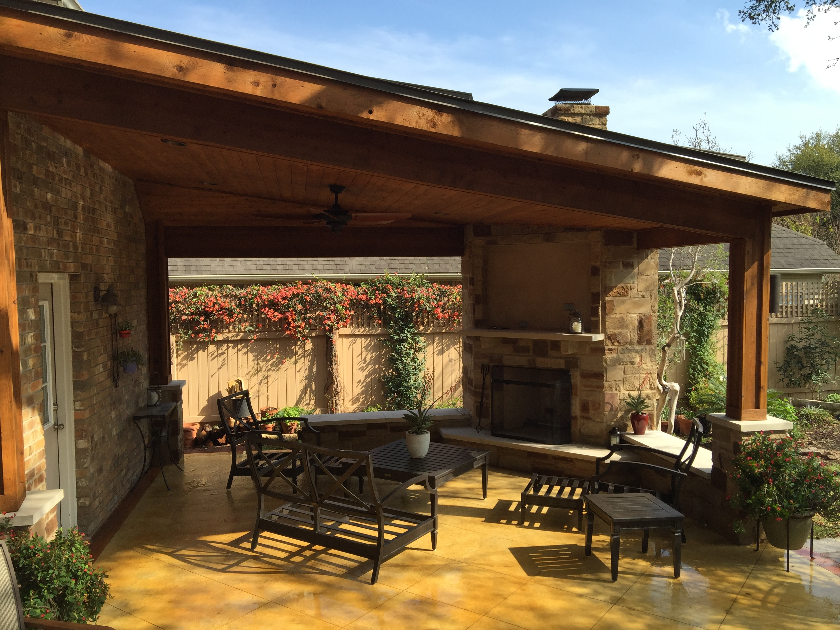 Covered patios austin decks pergolas covered patios for Back patio porch designs