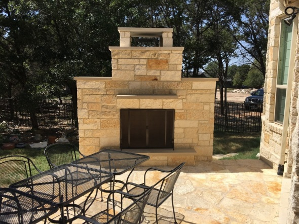 Driftwood TX outdoor fireplace builder