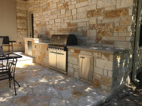 Driftwood TX outdoor kitchen builder