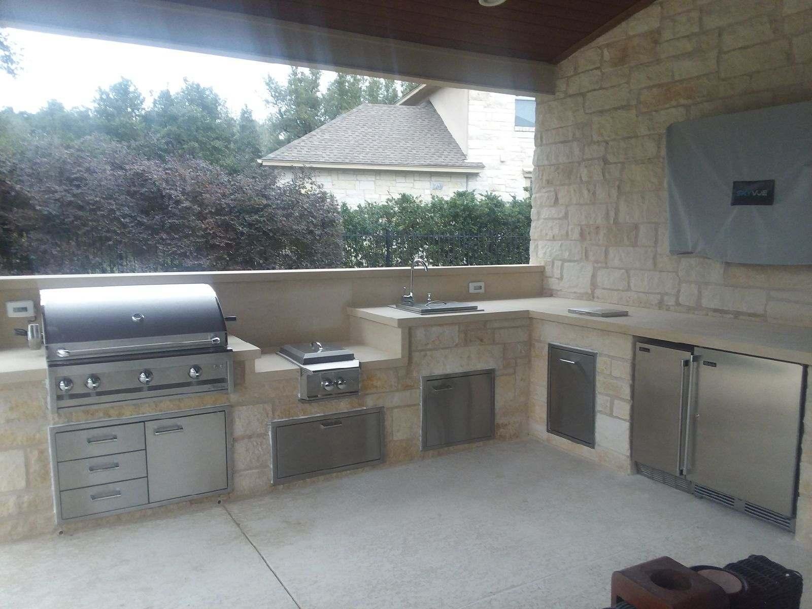 Austin outdoor kitchen | Austin Decks, Pergolas, Covered ...