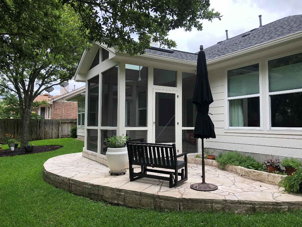 By Reserving Some Usable Patio Space Outside The Screened Porch, Theyu0027ll  Still Be Able To Sit Out On The Patio When Conditions Are Right.