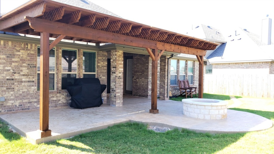 completed project in Liberty Hill, patio pergola and fire pit